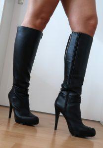 Stiefel schwarz mit Reissverschluss